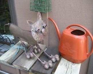 Metal kitty lawn ornament