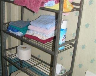 lots of towels & linens