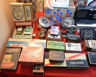 VINTAGE BOXED ITEMS