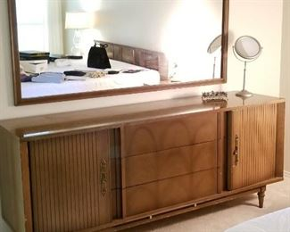 Nice MID CENTURY Bedroom suit (Dressers, chest, nightstands, King size bed)
