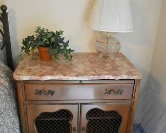 ACCENT CABINET, LAMP