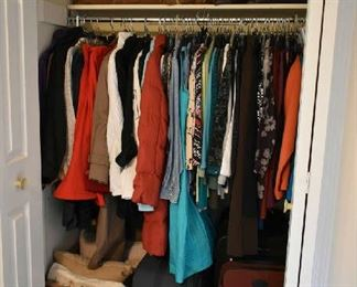 CLOTHING, DECORATIVE PILLOWS