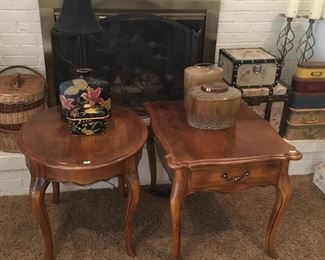 SIDE TABLES, DECOR