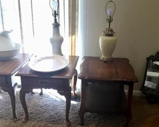 SIDE TABLES, LAMPS