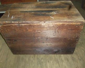 ONE OF SEVERAL EARLY 1900'S SHIPPING CRATES FROM R F STRICKLAND COMPANY