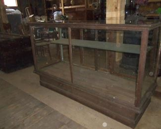 ORIGINAL 6FT OAK DISPLAY CASE USED AT THE R F STRICKLAND STORE