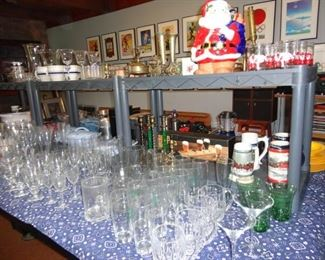 LOTS OF DRINKING GLASSES