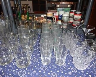DRINKING GLASSES, MUGS AND CANDLE HOLDERS
