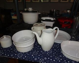 LOTS OF SERVING WARE