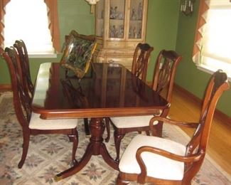 American Drew Dining Room Suite and rugs