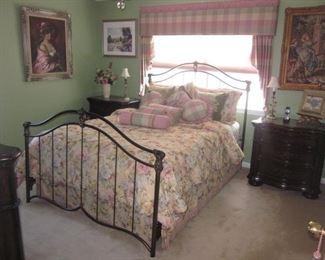 Raymour & Flanigan Bedroom Suite