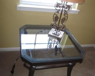 Accent Table & Lighting