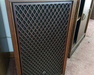 Pair of Vintage Sansui SP-200 3 Way Stereo Speakers