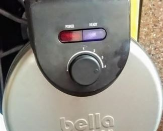 Bella waffle iron