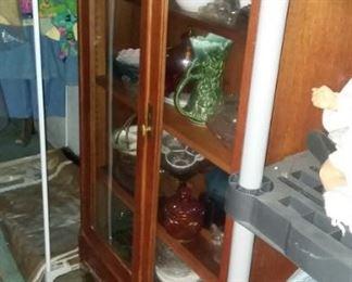 Very nice cabinet.  Glass feet!