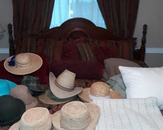 King bed, lots of cute hats