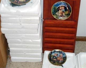 Hummel Calendar Plate Set