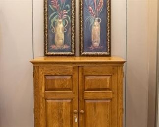 Oak double door cabinet - excellent condition.