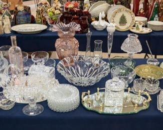 Some GORGEOUS crystal pieces on the front table.