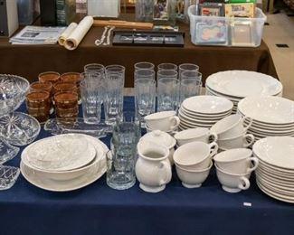 Tabletops Lifestyles Versailles Set