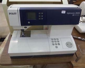 Pfaff Triptronic 2020 Sewing Machine