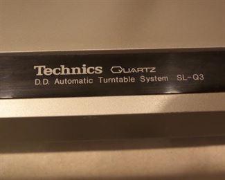 Technics SL-Q3 turntable
