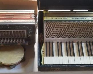 Universal squeeze box, and Carman accordian