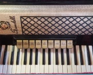 Scandalli Black and Gold vintage accordian--near mint