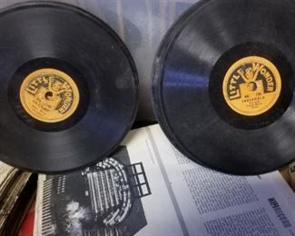 A few dozen Little Wonders 78 rpm records