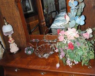 Ornate oak dresser - Pulaski Furniture Co