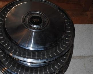 Ford hubcaps - 15 inch
