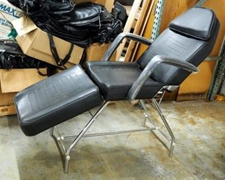New Adjustable Facial Skin Care/Tattoo Chair