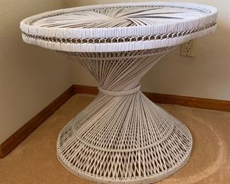 Wicker/cane Round Table21in H x 25in diameter