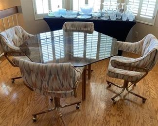Octagon Glass Table w/ 5 Rolling Chairs28x50x50HxWxD