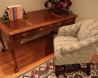 Leather topped Sligh desk, pair custom upholstered chairs