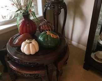Old Chinese nesting table