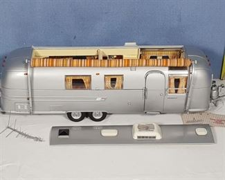 Airstream  Franklin Mint Precision Models International Land Yacht 1968 Trailer