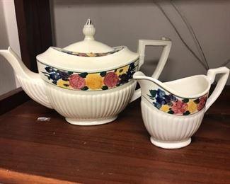 Bedford Ware teapot  & creamer