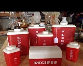 RED CANAITER SET COMPLETE Mini salt and pepper included