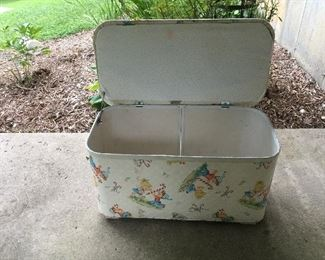 another great toy box, no rips or tears