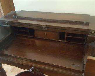 Top of spinet desk