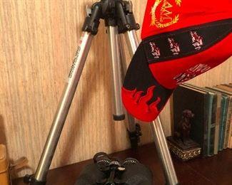 put your binoculars on a tripod!