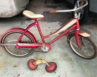 1940s skiptooth J.C. Higgins bicycle with Training wheels!!