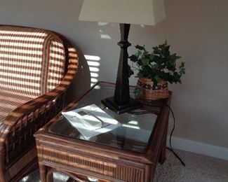 matching lamp table
