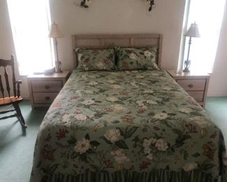 Bed with matching nite stands, chest of drawers