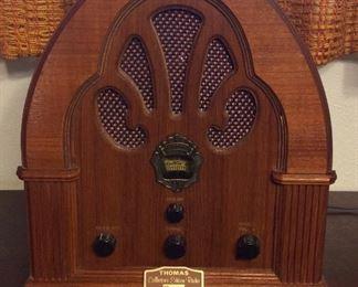Thomas Retro Radio