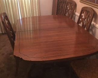 Vintage Dining Table Six Chairs and 1 leaf Super nice