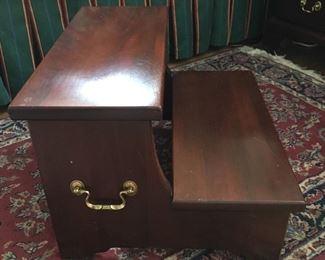 Bedside step stool Henkle Harris
