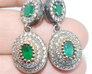 Authentic jewelry with ruby, sapphire and emerald gemstones set in silver and gold at rock-bottom prices. Jewelry store liquidation of one-of-a-kind, fine jewelry pieces.