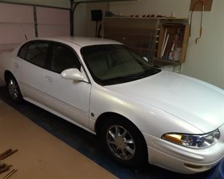 2004 White Buick Lesabre Limited, 96,000 miles, excellent condition, beige leather interior
